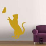 Виниловая декоративная интерьерная наклейка на стену Кошка и Бабочка
