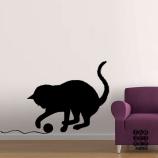 Виниловая наклейка на стену Кошка с клубком